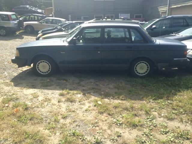 1992 Volvo 240 Base
